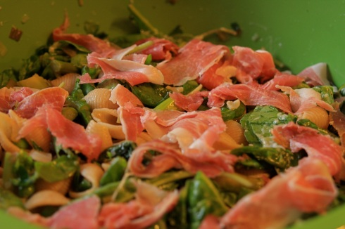 pasta and proscuitto salad